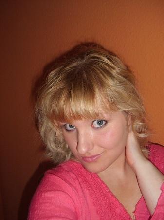 Réelle blonde aux yeux bleus à nouveau dispo pour sorties et plus