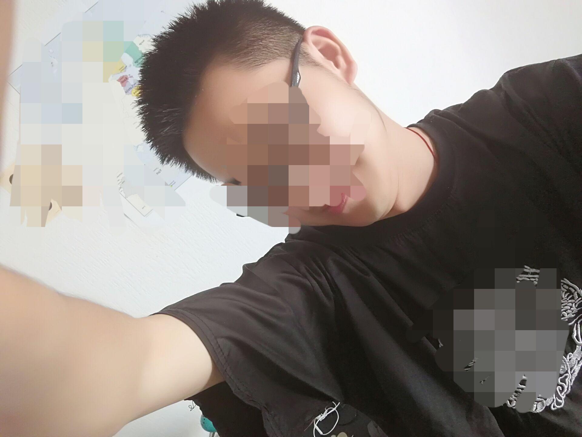 Jeune beau étudiant cherche  partenaire régulière de sexe